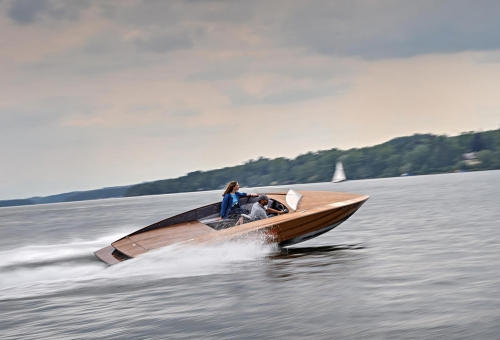 The challenges, advantages and future of electric boats