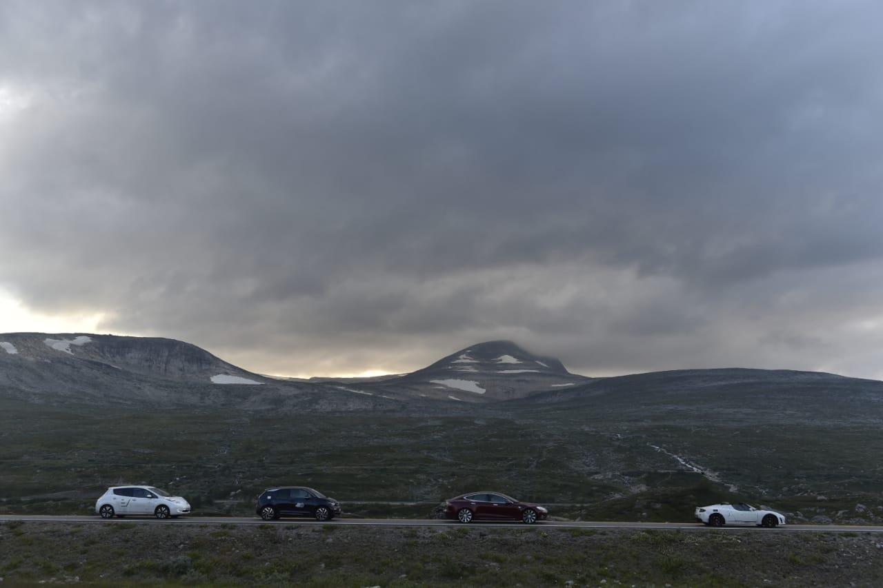 Cars at the Arctic Circle